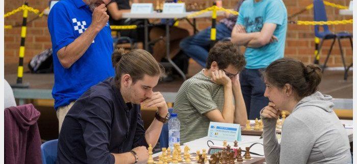 """Nathan (21) eindigt tweede op BK schaken, Mortselaar wint toernooi: """"Mijn bobijntje was op het einde helemaal afgelopen"""""""