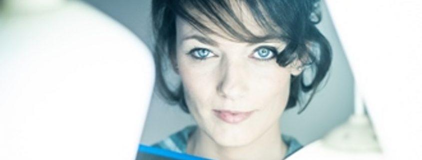 RODE ROZE IN DE SNEEUW - JackoBond zingt Marva