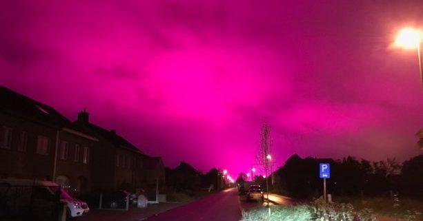 Lucht rond Antwerpen kleurt volledig paars: wat is er aan de hand?